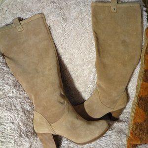 UGG's  Tan  Rare Pair High Heel Knee Boots